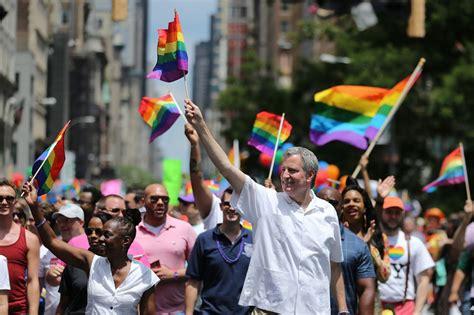 Pride parade wikipedia jpg 1280x853